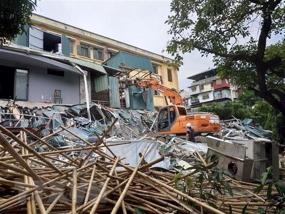 Hoàn tất cưỡng chế dự án cải tạo chung cư 93 Láng Hạ trong tháng 11