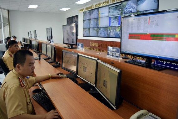 Hà Nội đầu tư trung tâm đèn tín hiệu siêu hiện đại