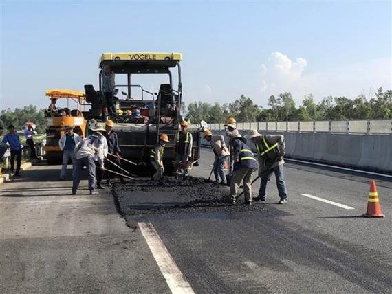 Yêu cầu VEC tìm vốn đầu tư thu phí không dừng trên cao tốc