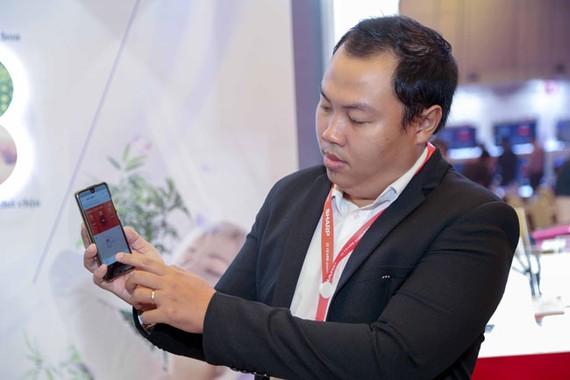 Sharp sắp ra mắt điện thoại nhẹ nhất thế giới