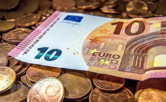 Biểu tình khiến tăng trưởng Eurozone xuống mức thấp nhất