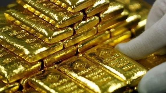 Giá vàng và bạc thế giới tăng 0,6%, đồng USD đi xuống