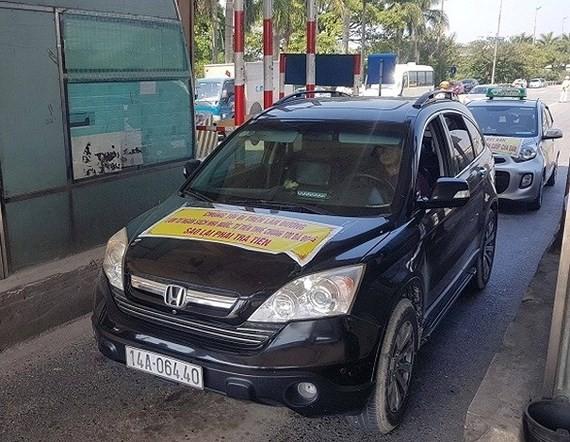 Lái xe phản đối thu phí trạm BOT Bắc Thăng Long - Nội Bài