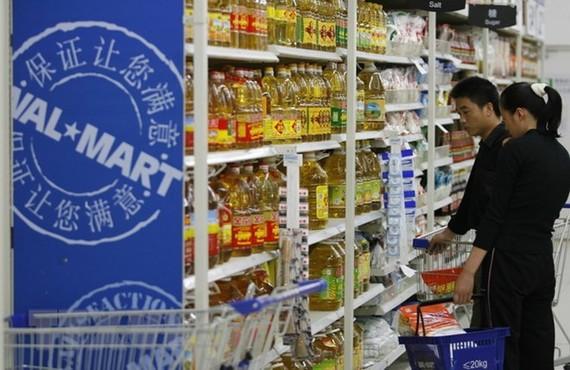 Hàng hóa được bày bán tại siêu thị của hãng bán lẻ Mỹ Walmart ở Bắc Kinh, Trung Quốc. (Nguồn: AFP/TTXVN)