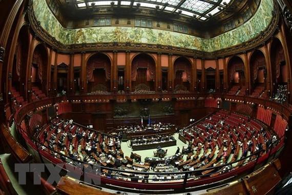 Toàn cảnh cuộc bỏ phiếu tín nhiệm đối với kế hoạch ngân sách 2019 sửa đổi tại Hạ viện Italy ở Rome ngày 29/12/2018. (Nguồn: AFP/TTXVN)