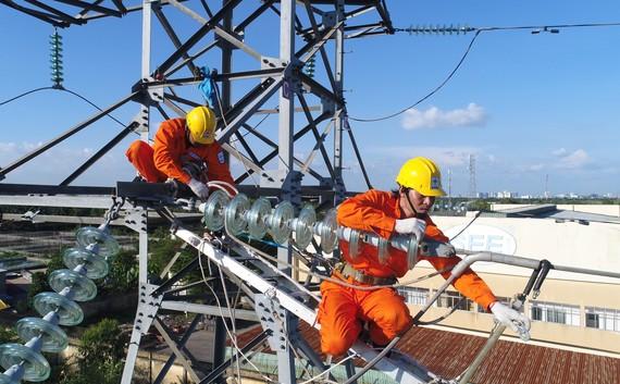 Với những nỗ lực trong công tác quản lý vận hành, độ tin cậy cung cấp điện của EVN trong năm 2018 đã không ngừng được cải thiện. Ảnh: VGP/ Toàn Thắng