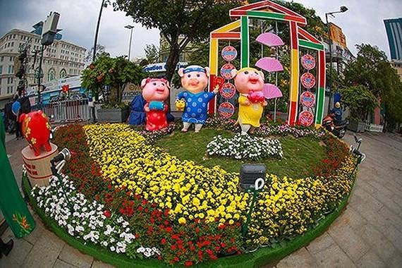 Bế mạc Đường hoa Nguyễn Huệ: Hơn 1 triệu lượt khách đến tham quan