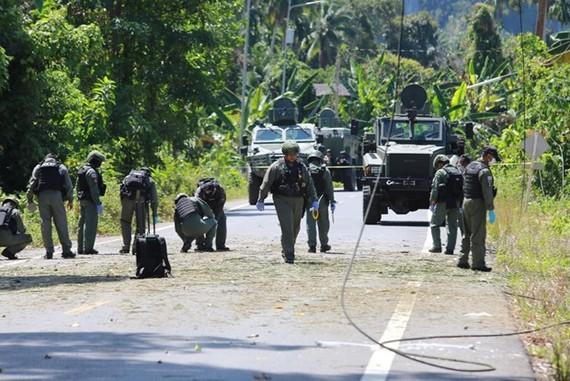 Lực lượng an ninh có mặt tại hiện trường 1 vụ đánh bom. (Nguồn: nationmultimedia)