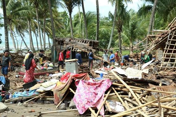 Một trận động đất ngoài khơi dẫn đến sóng thần tàn phá khu dân cư ven bờ biển Banten, Trung Java, Indonesia tháng 12/2018. (Ảnh: Đỗ Quyên/Vietnam+