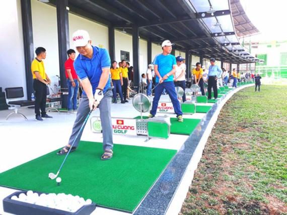 Sân tập đánh golf ở khu đô thị Phú Cường chính thức hoạt động