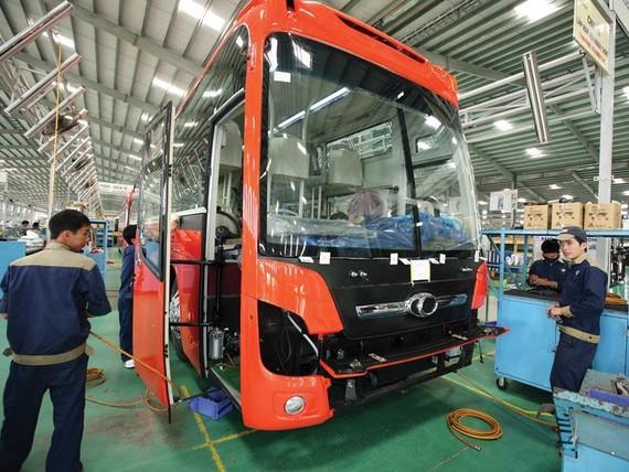 Dây chuyền lắp ráp tại Công ty ô tô Trường Hải.