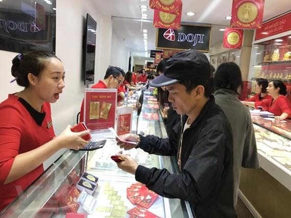 Giá vàng trong nước đồng loạt đi lên ở phiên mở cửa đầu tuần