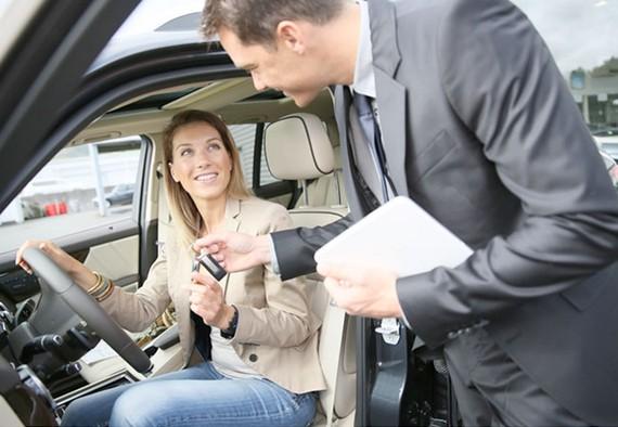 Anh yêu cầu công ty cho thuê xe Tây Ban Nha công khai giá cho du khách