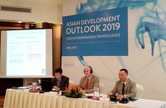 ADB dự báo kinh tế Việt Nam tăng trưởng 6,8% trong 2019