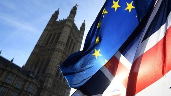 Thông qua dự luật ngăn chặn Brexit không thỏa thuận