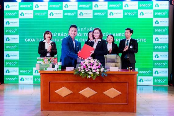 Quang Hải ký hợp đồng đại sứ thương hiệu AnEco với An Phát