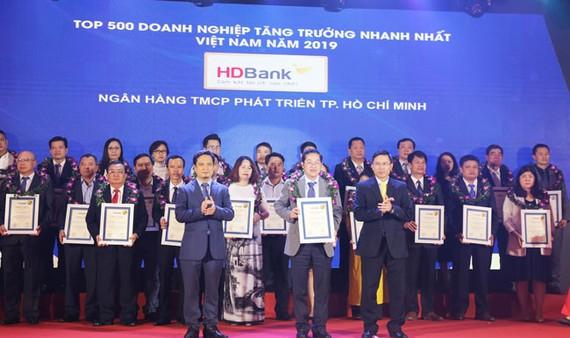 HDBank lọt Top 5 Ngân hàng có tốc độ tăng trưởng nhanh nhất 2019