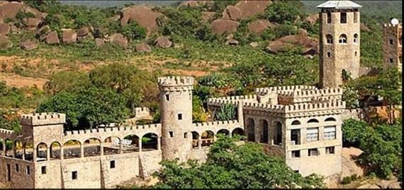 Khu nghỉ dưỡng Kajuru Castle. (Nguồn: tvcnews.tv)