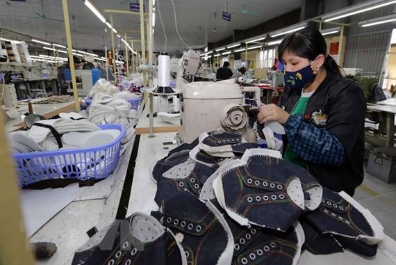 Sản xuất giày xuất khẩu. Ảnh minh họa. (Nguồn: TTXVN)