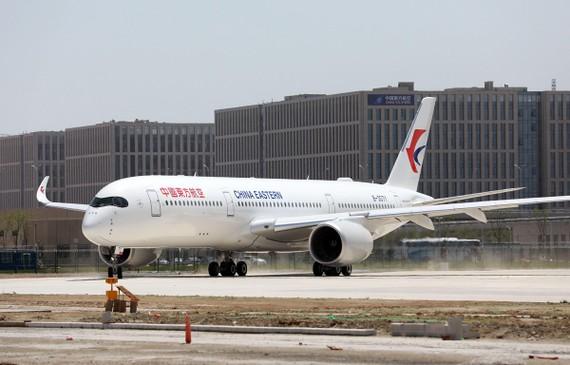 Máy bay của hãng hàng không Trung Quốc China Eastern Airlines tại sân bay quốc tế Daxing ở Bắc Kinh, Trung Quốc, ngày 13/5/2019. (Ảnh: AFP/TTXVN)