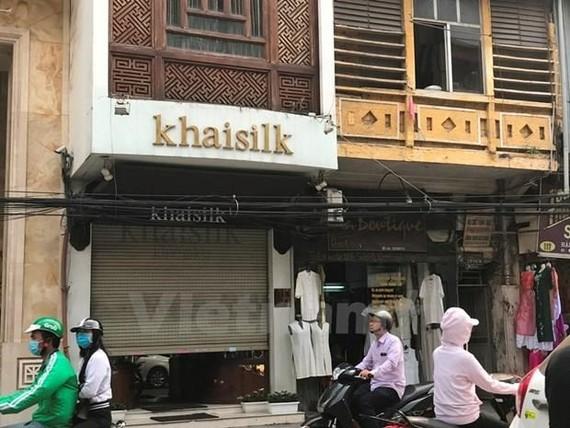 Một cửa hàng của Khaisilk trên phố Hàng Gai, quận Hoàn Kiếm. (Ảnh: Đức Duy/Vietnam+)