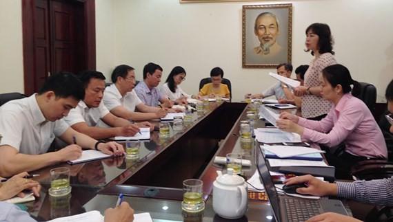 Thanh tra thành phố Hà Nội công bố quyết định. Ảnh: Hànộimới