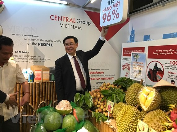 Phó Thủ tướng Vương Đình Huệ tại lễ tổng kết 10 năm Chương trình Tự hào hàng Việt do Bộ Công Thương tổ chức. (Ảnh: Đức Duy/Vietnam+)