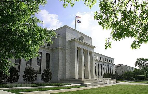 Trụ sở Ngân hàng dự trữ liên bang Mỹ (FED) ở Washington, DC. (Ảnh: AFP/TTXVN)
