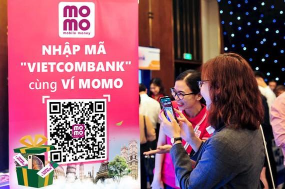 Cùng Vietcombank mở Ví MoMo: trúng thưởng du lịch Châu Âu