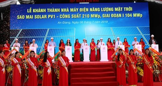 Khánh thành nhà máy điện mặt trời Sao Mai.
