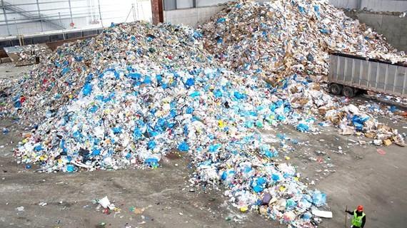 Một trung tâm xử lý rác ở Brooklyn, TP New York (Mỹ)