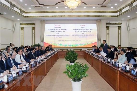 Quang cảnh buổi gặp gỡ giữa lãnh đạo Thành phố Hồ Chí Minh và EuroCham. Ảnh: TTXVN