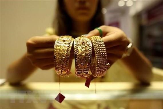 Giá vàng châu Á đứng vững ở mức trên 1.400 USD mỗi ounce