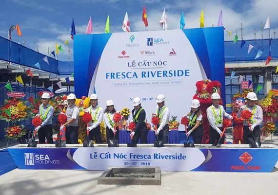 Cất nóc dự án Fresca Riverside