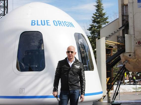 Jeff Bezos bán cổ phiếu Amazon để đầu tư vào chương trình không gian