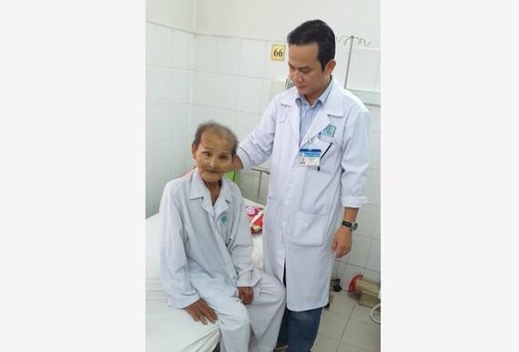 Cụ Trần Văn Mười ổn định sau khi phẫu thuật thành công