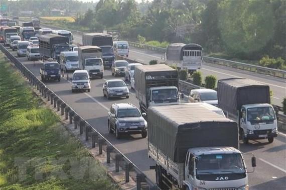 Cao tốc TP.HCM-Trung Lương đang dần dần trở thành… Quốc lộ