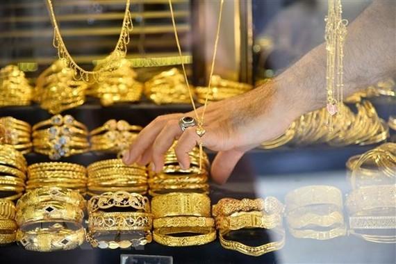 Giá vàng thế giới đạt 'đỉnh' của hơn 6 năm