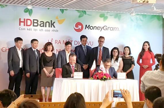 MoneyGram và HDBank ký kết chi trả kiều hối tại nhà