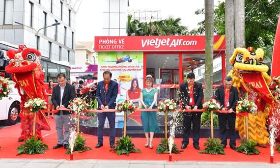 Vietjet khai trương phòng vé có thể làm thủ tục check-in trong thành phố