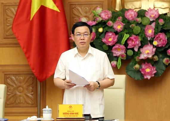 Phó Thủ tướng Vương Đình Huệ phát biểu tại cuộc họp. Ảnh: VGP