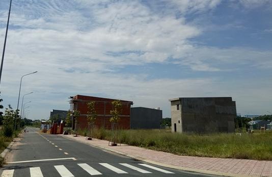 Hạ tầng và nhà ở đã được xây dựng trên khu đất công ích