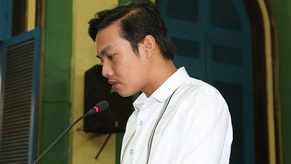 Phạm Sỹ Hoài Như tại một phiên tòa