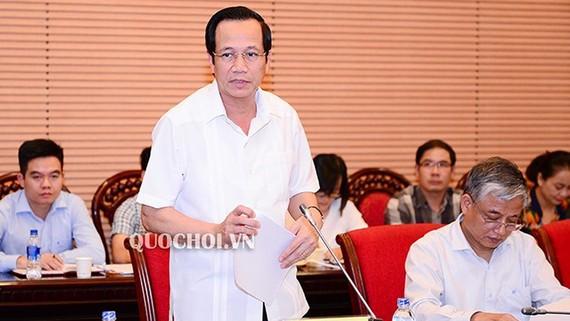 Bộ trưởng Bộ Lao động, Thương binh và Xã hội Đào Ngọc Dung phát biểu tại phiên họp
