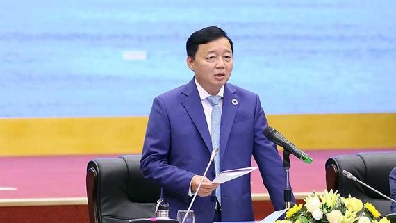 Bộ trưởng Bộ Tài nguyên và Môi trường Trần Hồng Hà phát biểu tại Hội nghị