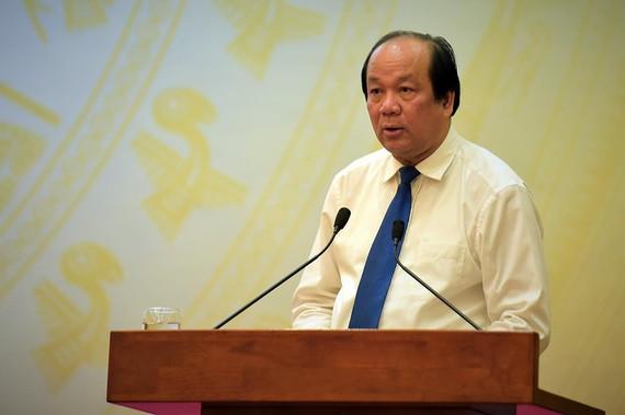 Bộ trưởng, Chủ nhiệm Văn phòng Chính phủ Mai Tiến Dũng tại phiên họp báo chiều 4-5