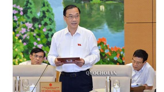 Chủ nhiệm Ủy ban Kinh tế Vũ Hồng Thanh cho biết, hiện còn 3 vấn đề chưa có sự thống nhất quan điểm cần xin ý kiến UBTVQH