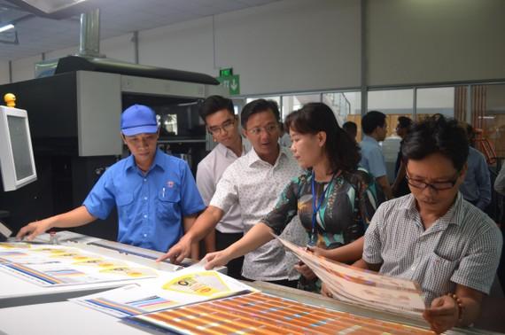 Công ty Cổ phần In số 7 ứng dụng công nghệ quy trình quản trị màu PCM trong sản xuất.