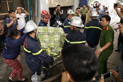 Khởi tố vụ cháy làm 8 người chết ở xưởng sản xuất thùng rác