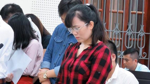Nguyễn Thị Lam nghe tòa tuyên án